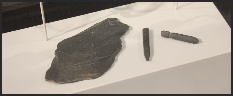 Writingslate and slate pencils found at Hermitage slave dwelling site